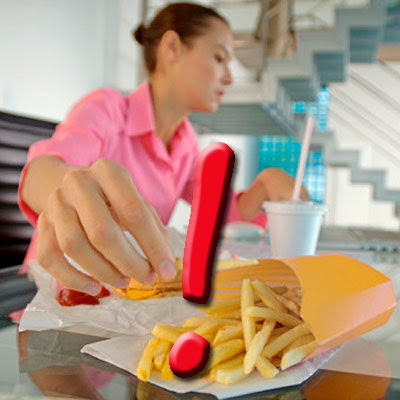 Why Eating At Your Work Desk Is Not Good!