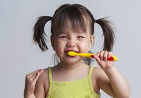 Get-Kids-To-Brush-Their-Teeth-funny-toothbrush