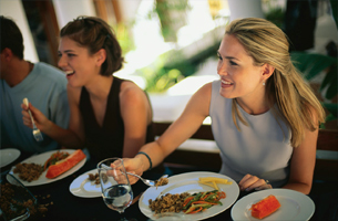 Helping-A-Friend-Or-Family-Member-Lose-Weight-on-diet-together