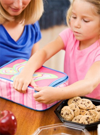 Preparing-Your-Child-For-School-prepare-lunch-together