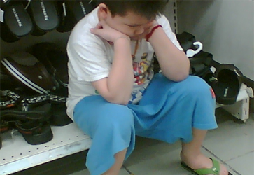 Signs-Your-Child-Is-Being-Bullied-do-not-want-go-out
