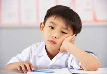 Signs-Your-Child-Is-Being-Bullied-school-results-decreasing-suffering