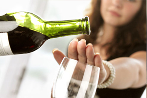 Ways-To-Stay-On-A-Diet-While-On-Holiday-no-alcohol