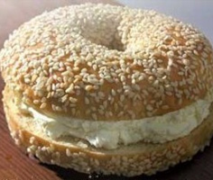 Breakfast-Foods-To-Stay-Away-From-bagel-with-cream-cheese