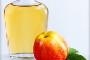 Homemade-Beauty-Products-Pimples-And-Acne-Treatment-Apple-Cider-Vinegar