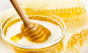 Homemade-Beauty-Products-Pimples-And-Acne-Treatment-Honey