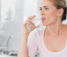 How-To-Jump-Out-Of-Bed-In-The-Morning-drink-glass-of-water