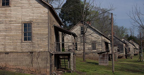 Movie-Locations-You-Can-Visit-In-Real-Life-Henry-River-Mill-Village