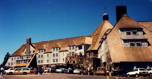 Movie-Locations-You-Can-Visit-In-Real-Life-Timberline-Lodge-Oregon,-USA