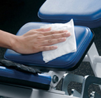 Personal-Hygiene-In-The-Gym-Etiquette-Wipe-Down-The-Machines