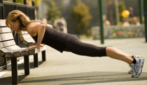 Workout-In-Your-Local-Park-Bench-Press-Ups