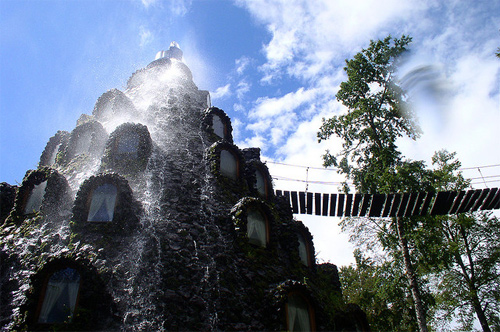 World's-Most-Unusual-Hotels-Magic-Mountain-Panguipulli