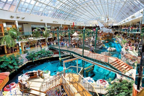 Best-Water-Parks-In-The-World-World-Waterpark-Alberta,-Canada