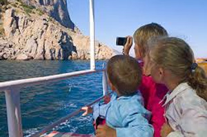 Best-Way-To-Travel-On-A-Family-Vacation-by-cruise-ship
