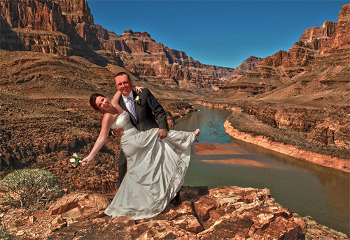 Craziest-Places-People-Have-Got-Married-Grand-Canyon-USA