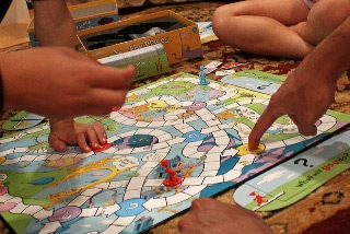 Playing-Games-With-The-Kids-make-it-fair