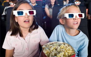 Taking-The-Kids-To-The-Movies-On-A-Budget-Your-Own-Snacks